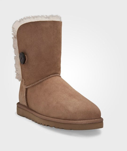 UGG Bailey Button Chestnut - Small Brown