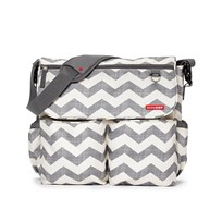 Skip Hop Dash Signature Diaper Bag Chevron Grå