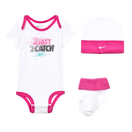 NIKE 2 Fast 2 Catch Body, Hat and Booties Gift Set 001 WHITE