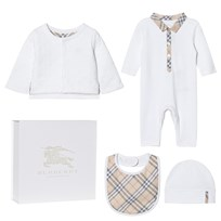 Burberry 4 Piece Zayden Baby Gift Set White