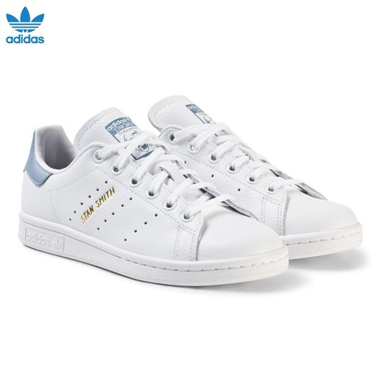 adidas Originals White and Blue Stan Smith Junior Trainers FTWR WHITE/FTWR WHITE/TACTILE BLUE S17