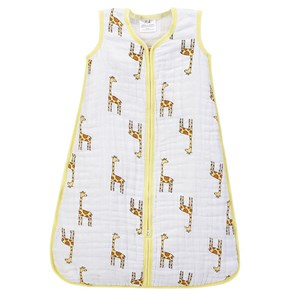 Image of Aden + Anais Giraffe Print Multi Layer Cozy Sleeping Bag Medium (6-12 months) (3125353431)