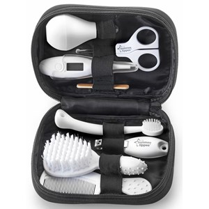 Image of Tommee Tippee Closer To Nature Healthcare & Grooming Kit One Size (976272)