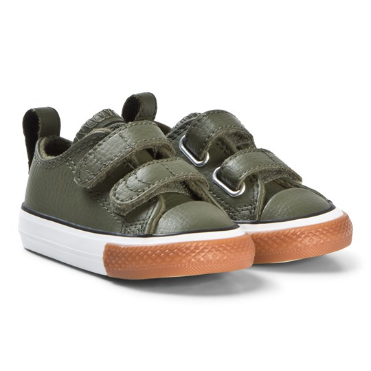 f9b56ea40a70a5 Converse Green Chuck Taylor All Star 2V OX Infants Leather Smeakers FIELD  SURPLUS BLACK