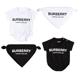 Image of Burberry Baby Gift Set Black and White 12 months (3148272957)